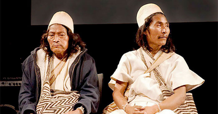 Mamo and Iku on Stage